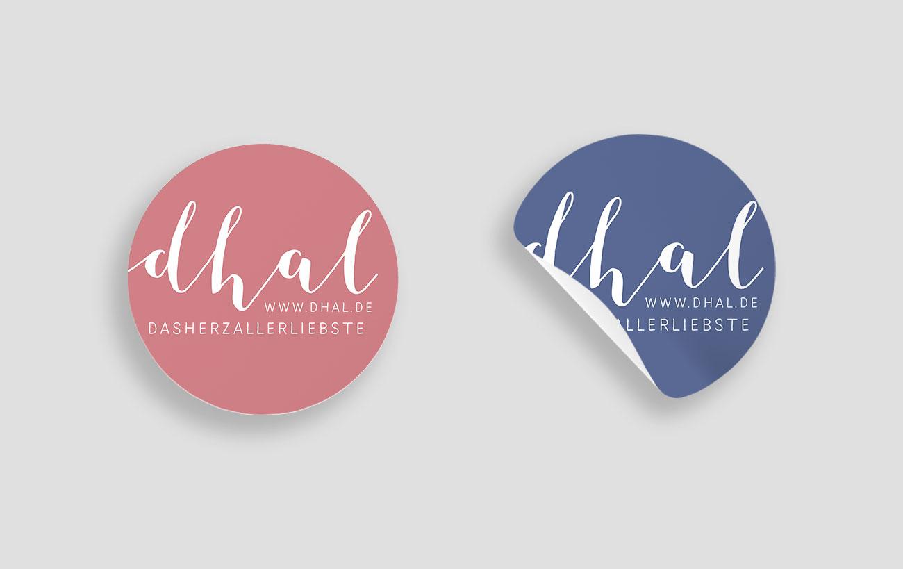 Sticker und Aufkleber Design für dasherzallerliebste mit Logo von der Yip Yips Agentur