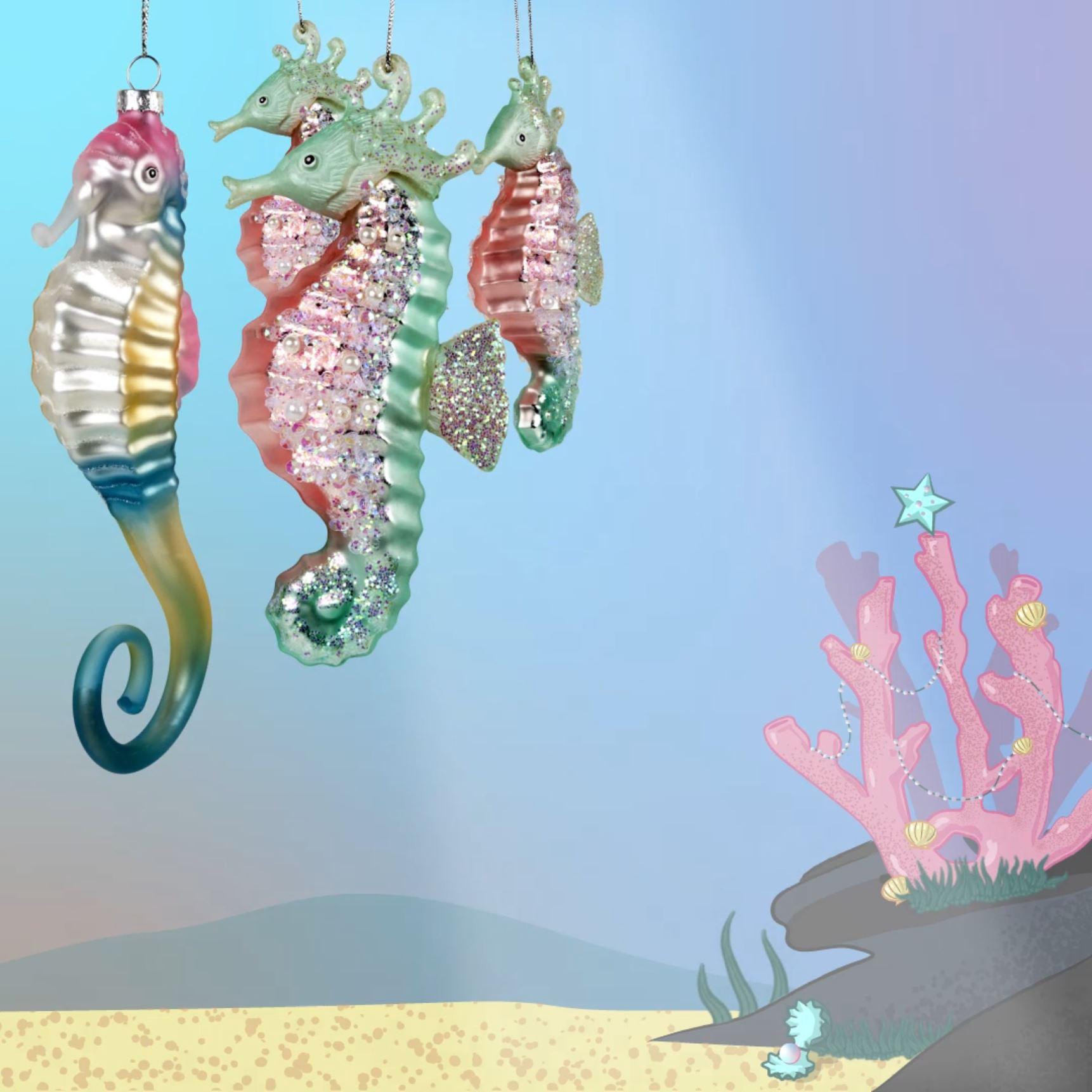 Abbildung von Seepferdchen Weihnachstkugeln von dasherzallerliebste mit Größenangaben und ansprechendem Hintergrund