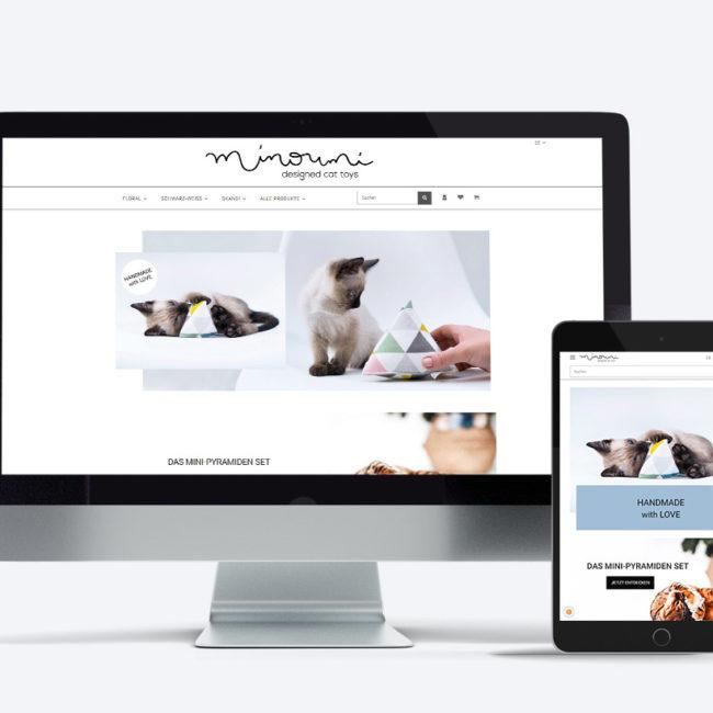 Beispiel für responsive Webdesign der Yip Yips Agentur Aachen, PC und Tablet mit der Webseite und JTL-Shop 5 Minoumi designed cat toys